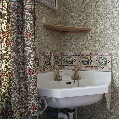 At Home with Morris (Basin)